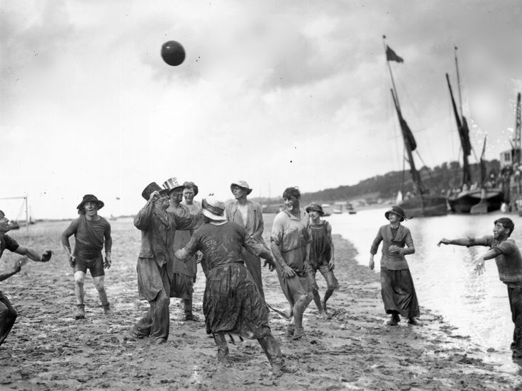 Southend 1925 Leigh Regatta Mud Football